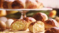 Fastelavnsboller Norwegian Food, Bowl Cake, Pretzel Bites, Baked Potato, Muffin, Baking, Fruit, Vegetables, Breakfast