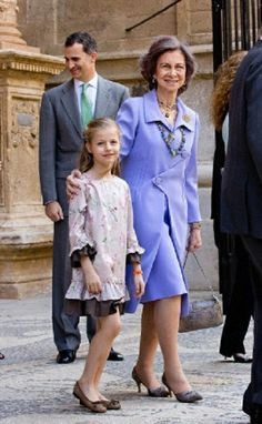 (L-R) Spanish Crown Prince Felipe, Queen Sofia and Princess Leonor leave the mass to mark Easter Sunday at Palma de Mallorca's Cathedral in Palma de Mallorca (Spain), 20.04.14.