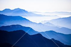 Endlessly Rising Peaks of Mountains - Fototapeter & Tapeter - Photowall