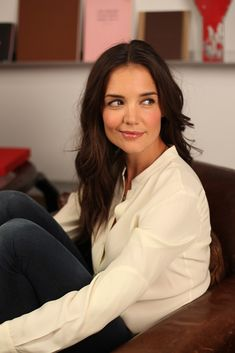 Katie Holmes ends Partnership with Stylist Jeanne Yang