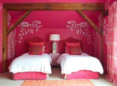 twilight magenta girls bedroom design