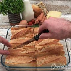 Hot-dog raclette A squeegee to eat with your hands Appetizer Recipes, Snack Recipes, Cooking Recipes, Quiche Recipes, Hot Dog Recipes, Turkey Recipes, Creative Food, Food Hacks, Food Videos