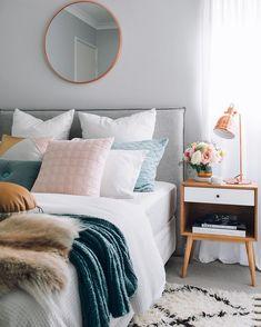 How to design your home: 60 best decoration ideas - Studenten zimmer - Airy Bedroom, Dream Bedroom, Master Bedroom, Modern Bedroom, Trendy Bedroom, Master Suite, Bedroom Colors, Natural Bedroom, Master Master