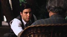 Marlon Brando & Al Pacino Best scene from Godfather 1972  Husker den som en film med smukke scener, viser og fortæller, på en spændende måde, en tid med mafioser og deres storfamiliers problemer helt ind i kernefamilien.