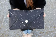 See Kate Sew shares a tutorial and free pattern for this simple and cute envelope clutch.