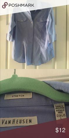 Dress blouse Xl Vanhuesen dress shirt worn 1x. Flattering cut with shaping darts. Van Heusen Tops Button Down Shirts