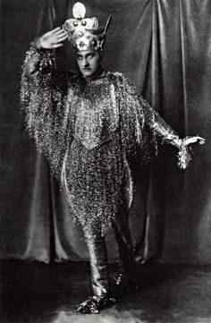 Comte Etienne de Beaumont, circa 1924