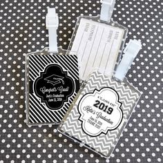 Are you and your classmates celebrating your success with a graduation trip? Keep your friends and valuables close to you with our personalized Graduation Acrylic Luggage Tags. These adorable party favors come with custom inserts that allow you to persona Jam Wedding Favors, Wedding Favors Unlimited, Graduation Party Favors, Personalized Party Favors, Party Favor Tags, Small Gifts, Party Supplies, Success, Dates