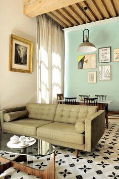 Peinture salon : 43 couleurs tendance pour repeindre le salon - Côté Maison Anta, Living Spaces, Living Room, House Colors, Wall Art Prints, Gallery Wall, Wall Decor, Couch, Interior Design