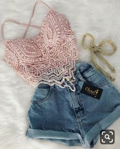 This top is so gorgeous. I love the pink and lace 😍💕 Teen Fashion Outfits, Cute Fashion, Outfits For Teens, Look Fashion, Trendy Outfits, Girl Fashion, Womens Fashion, Cute Summer Outfits, Spring Outfits