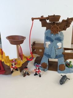 Jake And The Neverland Pirates Jolly Roger Ship Adventure Rock Figures Boat Lot #Disney