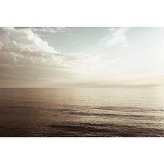 {184-あの夏、いちばん静かな海 ANO NATSU ICHIBAN SHIZUKANA UMI 1991} -Takeshi Kitano-  #vsco #vscoph #VSCOcam #vscogrid #vscoshots #vscomoment #igers #instavsco #ig #instacool #instagood #vscophile #photooftheday #instacyool #instagramer #instadaily #instagood #instagramhub #tbt #follow #instamood #bestoftheday #picoftheday #365project #365movie #sea #clouds
