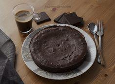 Pastel sueco de chocolate. Paleo, sin gluten y con opción sin lactosa. Muy fácil de hacer y delicioso.