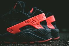UPDATE: While we saw these come and go super early over here in Australia, it seems the rest of the world is only just catching up. If your still looking to wrap your fingers around either piece of the Air Huarache 'Love/Hate Pack', you can expect to find both dropping stateside this September 20, at …