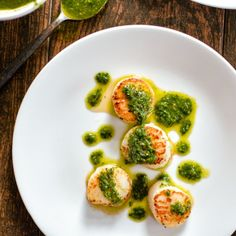 Pan-Seared Scallops with Arugula Pesto: the ultimate dish to celebrate all things light and summery!
