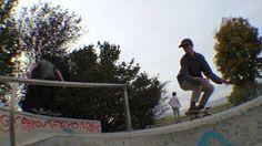 HAZY MIND SKATE & HANG OUT - Gland SkatePark - http://dailyskatetube.com/switzerland/hazy-mind-skate-hang-out-gland-skatepark/ - Prend tout tes soss, le plein de binch, de braize et de bon son et tu te retrouves à taper une sacrée session ! Merci à tous ceux qui sont venus, on refait ça quand vous voulez Musique : Biggie - Party and Bullshit Abonne toi et pose le like si ça t'a plu et suis nous sur les réseaux sociaux : Face
