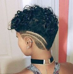 Naturel Hair Care : Amazing TWA Haircuts That Will Inspire Your Next Big Chop - Beauty Haircut Twa Haircuts, Twa Hairstyles, Bald Hairstyles For Women, Big Chop Hairstyles, Shaved Hairstyles, Curly Hair Styles, Natural Hair Styles, Undercut Natural Hair, Big Chop Natural Hair