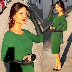 No tengo palabras para describir a esta preciosa #invitadaperfecta con uno de mis colores favoritos para bodas de otoño  Parfois HyM Boutique @starbiensevilla #invitada #invitadas #invitadasperfectas #invitadasconestilo #invitadasboda #invitadaboda #weddingguest #guest #style #fashion #moda #wedding #lookboda #lookinvitada #boda #bodas #bodadeotoño #complementos #verde#green #prom #complementos #guantes #modaotoño