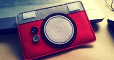 felt ipod case that looks like a camera! I might make a camera case like this. Girl Scout Troop, Girl Scouts, Camera Crafts, Camera Case, Some Pictures, Felt Crafts, Craft Gifts, Arts And Crafts, Phone Cases