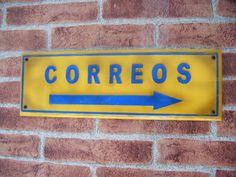 """Realizado por """"Decoración Retro & Vintage"""" Cartel en madera, realizado y pintado a mano. www.actiweb.es/tumuebleconsolajvg"""