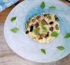 Eggplant and lemon risotto (Ottolenghi) And if it was good Yotam Ottolenghi, Ottolenghi Recipes, New Cooking, Easy Cooking, Risotto, Chefs, Go Veggie, Vegetarian Recipes, Healthy Recipes