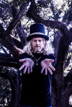Ep249 - Jimbo Mathus - Jimbo Mathus plays tracks from Blue Healer and talks about learning the mandolin as a child, his rock & roll career post- Squirrel Nut Zippers, and the origin of the blues.  Also on this episode, I've got the new Willie Nelson and Merle Haggard album. I've got some jump blues from Woody Pines. Another track from that knock out Eilen Jewell album. I've got a very timely song from that new Dale Watson album, more honky-tonk from Whitey Morgan