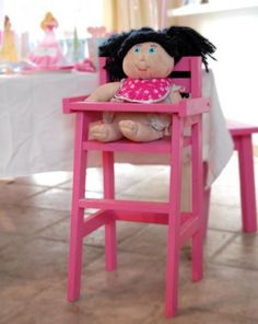 Doll High Chair instructions from Ana White Diy Projects To Try, Wood Projects, Craft Projects, Craft Ideas, Diy For Kids, Crafts For Kids, Doll High Chair, Wood Crafts, Diy Crafts