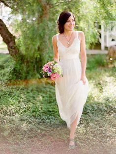 Lace V-neck Sheath Sleeveless Simple Summer Wedding Dress with Straps and Sash
