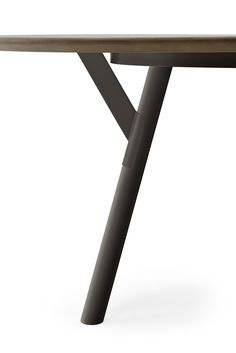 Collection of fixed and extending tables with powder coated stainless steel structure. #Link #table #details #staffamonocolore