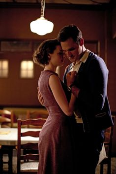 Call the Midwife season three: Jenny, Alec. Get out your tissues Series Movies, Tv Series, Call The Midwife Seasons, Chick Flicks, Tv Couples, Film Books, Actors, Pride And Prejudice, Period Dramas
