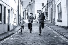 Our Family Package is ideal for those of you who want Great Photographs, Prints And Canvases of yourself and loved ones.   Family Photography In Whitby By Glenn Kilpatrick   All my photography is done in and around Whitby. I do not have a