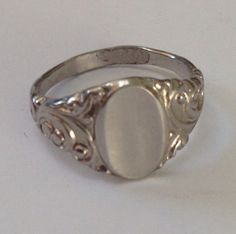 Genuine Vintage 1940's Size 5, Antique Signet Ring, NO MONOGRAM, Art Deco Jewelry, Gifts under 20