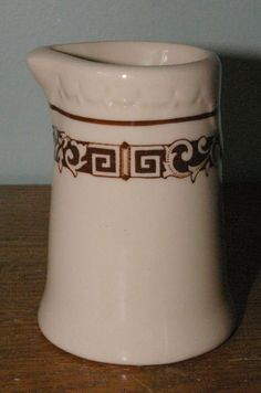 Great Northern Railroad EMPIRE Pattern Dining Car China Syracuse Creamer 3 1/2