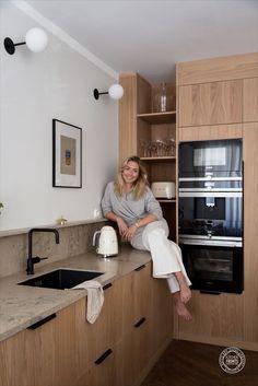 Kitchen Room Design, Modern Kitchen Design, Home Decor Kitchen, Interior Design Kitchen, Home Kitchens, Modern Ikea Kitchens, Interior Design Magazine, Küchen Design, House Design