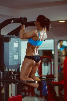 Full Back Workout - Get A Sexy Back - Fit Girl's Diary..I wish I could do those without assistance.