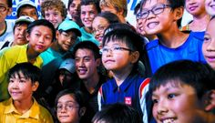 Kei Nishikori with fans at the Ladies Recreation Club . October 2014