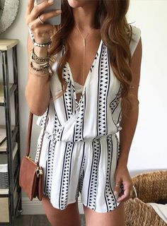 Absolutely love the look of this stripped romper! It makes for a great summer night on the town. Accessorizing with a simple necklace and a few bracelets is perfect!! For more rompers and accessories, check out Blush and Bashful Boutique at www.blushandbashfulboutique.com
