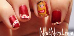 Wocka Wocka! Fozzie Nails