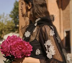 Exklusive Designer Damenmode im Onlineshop kaufen | SAILERstyle Valentino Garavani, Moncler, Kenzo, Designer, Band, Fashion, Fall Winter, Clothing, Moda