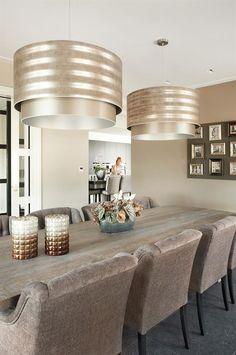"Foto: Hagemeier Fotografie - ""Stijlvol Wonen"" ‐ © Sanoma Regional Belgium N. Dining Room Design, Home And Living, House Interior, Home Living Room, Home, Fine Dining Room, Home N Decor, Home Decor, Grey Home Decor"
