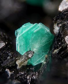 Aesthetic photos of mineral crystals for interior design | BINNTAL MINERALS