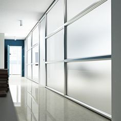 LCD SYSTEM. Wall System partition with LCD glasses able to switch from transparent to opaque, ensuring in that way the privacy  //  ---  //  Parete Wall System con vetri LCD capaci di passare da trasparente a opaco garantendo la privacy