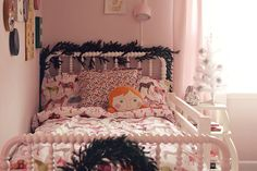 So pretty. Want to do this next year in the girls' rooms