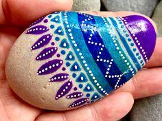 featherlight / painted stones / painted rocks / rock art /