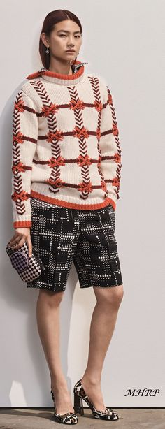 Ideas Embroidery Fashion Runway 2019 For 2019 Knitwear Fashion, Cardigan Fashion, Knit Fashion, Runway Fashion, Sweater Cardigan, Fashion Outfits, Look Casual, Casual Chic, Abed Mahfouz