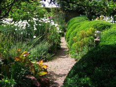 Charleston Farmhouse Garden, Sussex by UGArdener, via Flickr