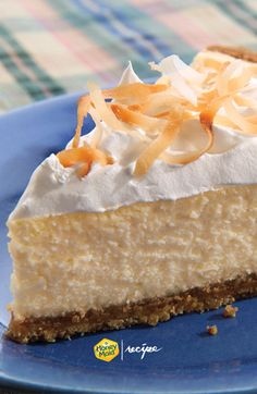Celebrate Pi day with our Easy Coconut Cheesecake. Made with Honey Maid Graham Pie Crust, Coconut, Cream cheese and Cool Whip, you won't need to look any further for a deliciously easy Cheesecake reci (Coconut Cheesecake Recipes) Coconut Cheesecake, Easy Cheesecake Recipes, Dessert Recipes, Yummy Treats, Sweet Treats, Cheese Dessert, Mason Jar Meals, Just Cakes, Perfect Food