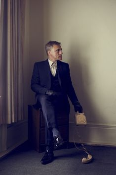 Christoph Waltz. Great suit, stupid picture