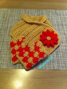 Crochet fingerless gloves and cowlscarf