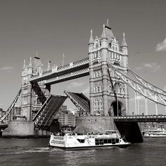 London Bridge taken with a Sony Alpha. Instagram photo by @mp.photo.gallery